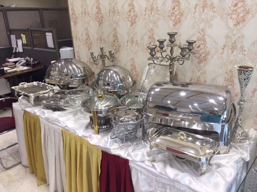 میز مستطیل فلزی با ساتن 1